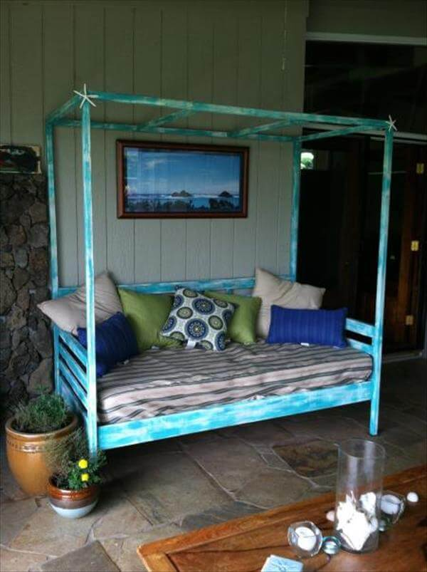 reclaimed pallet daybed