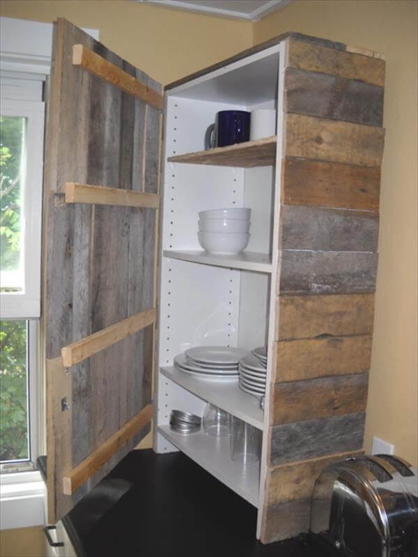reclaimed pallet utensil cabinet