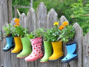 upcycled shoes vertical garden
