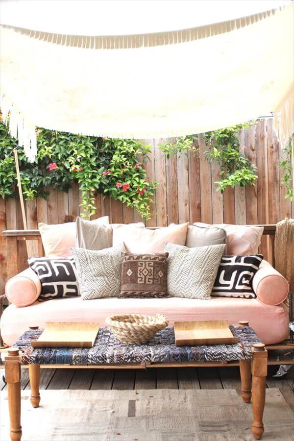 homemade pallet daybed