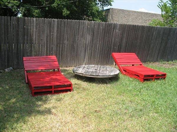reclaimed pallet loungers