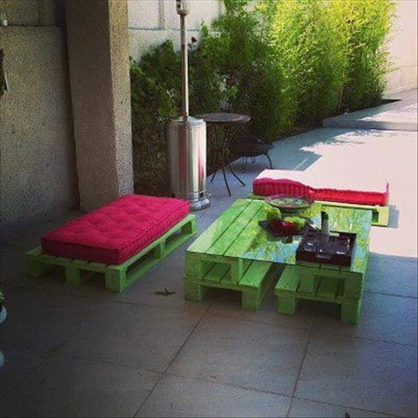 recycled pallet patio salon