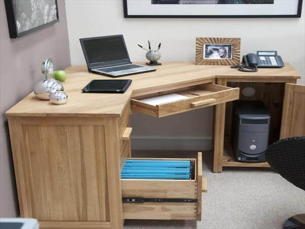 restored pallet computer desk