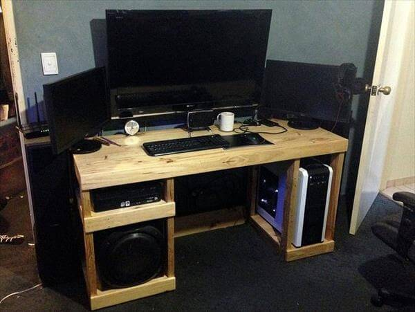 reclaimed pallet computer desk
