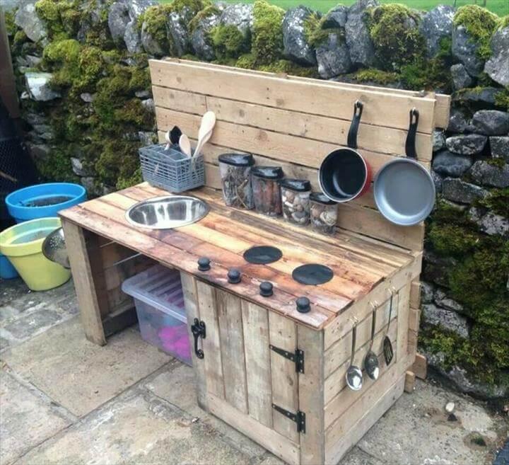 out side pallet kitchen design