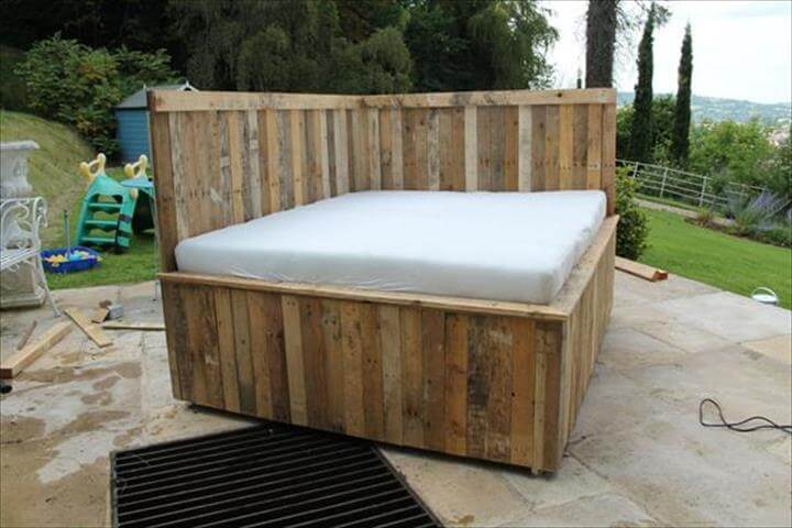 out door pallet bed and sofa design